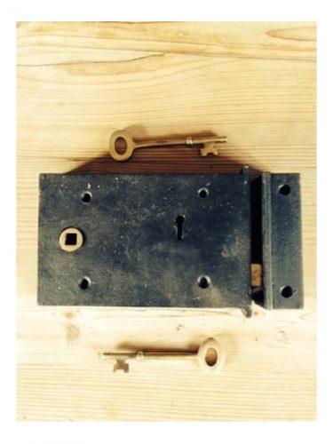 "Right hand Cast Iron and Brass rim Lock 5""/3"""